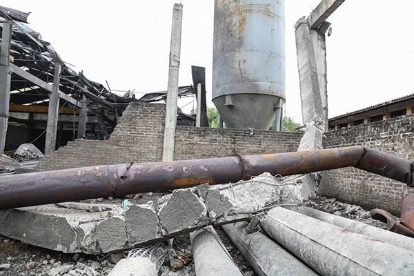 Hiện trường tan hoang sau vụ nổ lò hơi làm 8 người thương vong - ảnh 5