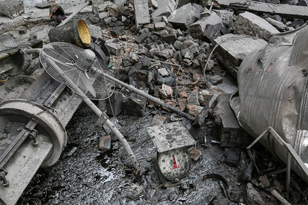 Hiện trường tan hoang sau vụ nổ lò hơi làm 8 người thương vong - ảnh 6