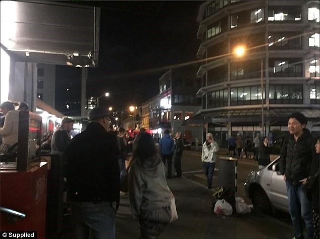 Động đất 7,4 độ Richter, sóng thần ập vào New Zealand - ảnh 1