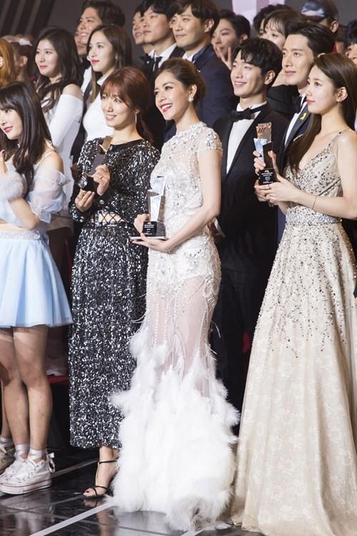 Chi Pu xuất hiện trên đài KBS sau chiến thắng tại Asia Artist Awards 2016 - ảnh 7