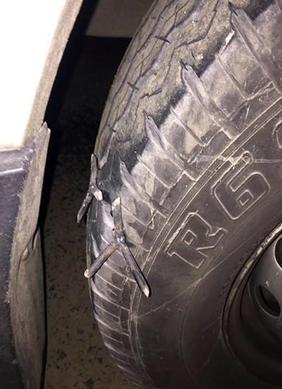 Cảnh sát phát hiện nhiều 'bẫy' đinh trên quốc lộ 1A - ảnh 1
