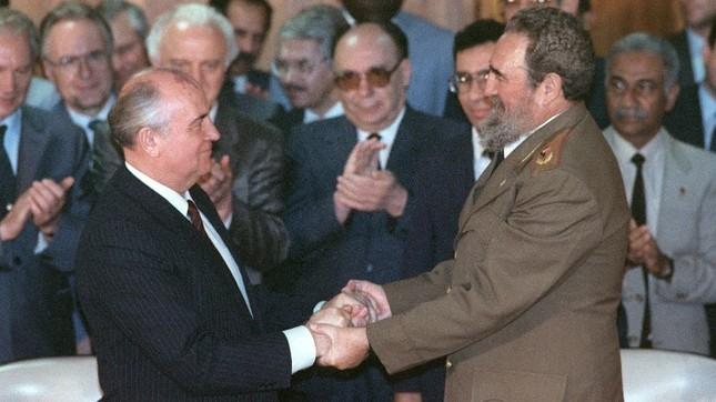 Lãnh tụ Fidel Castro và những khoảnh khắc lịch sử - ảnh 10
