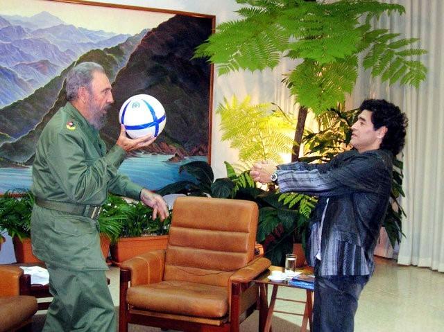 Lãnh tụ Fidel Castro và những khoảnh khắc lịch sử - ảnh 11