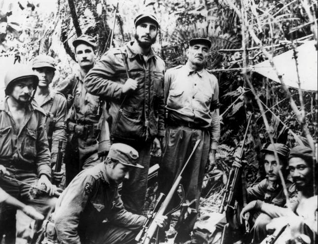 Lãnh tụ Fidel Castro và những khoảnh khắc lịch sử - ảnh 3