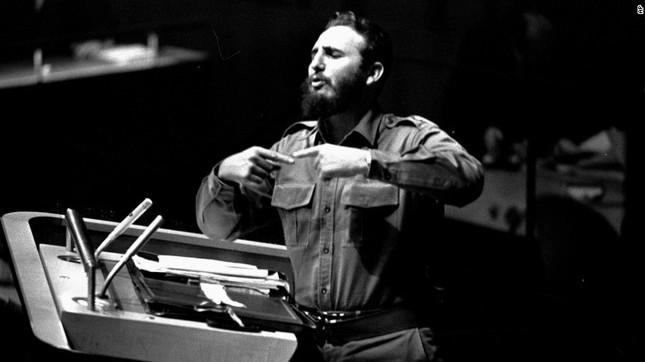 Lãnh tụ Fidel Castro và những khoảnh khắc lịch sử - ảnh 9