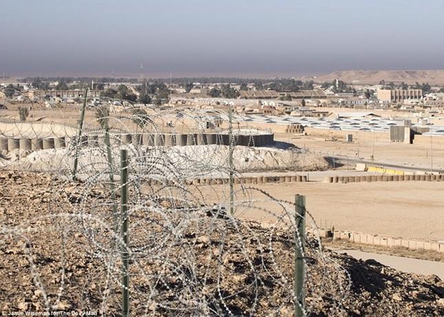 Lính bắn tỉa Anh kể chuyện diệt IS từ khoảng cách 1.400 m - ảnh 1