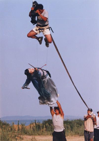 Hậu trường bay nhảy, cưỡi ngựa trong phim cổ trang Hoa ngữ - ảnh 2
