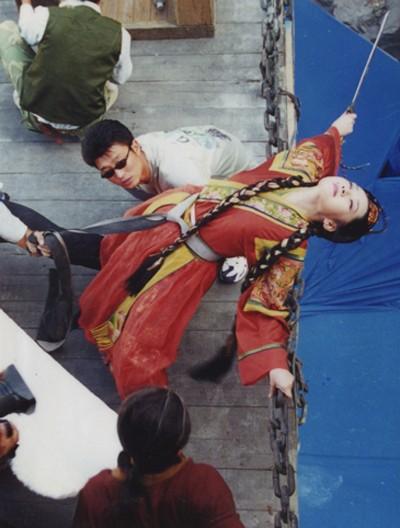 Hậu trường bay nhảy, cưỡi ngựa trong phim cổ trang Hoa ngữ - ảnh 3