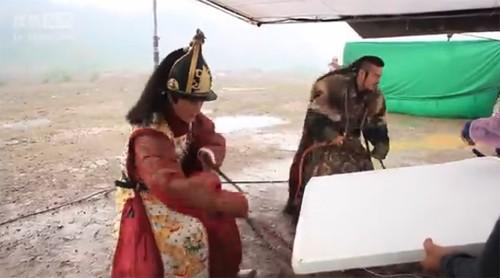 Hậu trường bay nhảy, cưỡi ngựa trong phim cổ trang Hoa ngữ - ảnh 9
