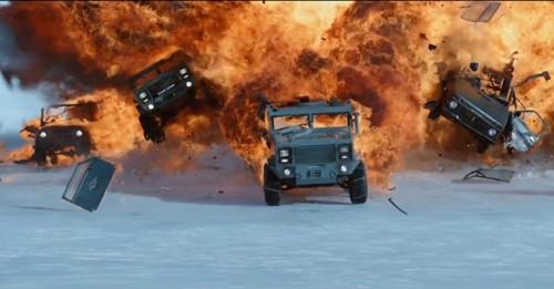 Hơn 50 xe hơi bị phá nát trong trailer đầu tiên phim 'Fast 8' - ảnh 1