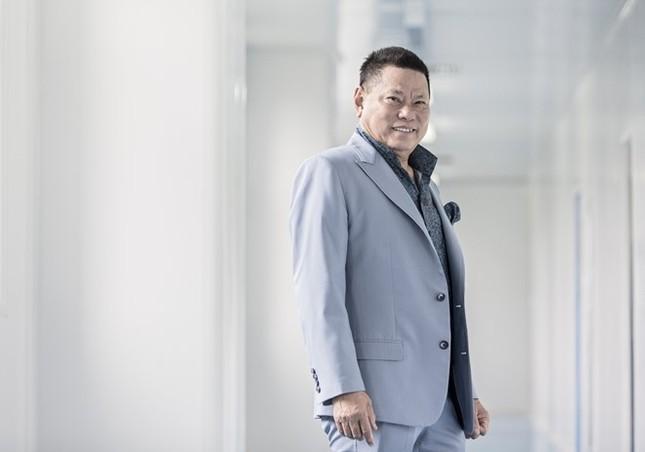 Ngọc Trinh đang yêu tỷ phú người Việt giàu nhất thế giới? - ảnh 1