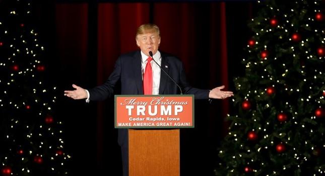 'Cuộc chiến' Giáng sinh của Obama và Trump - ảnh 1