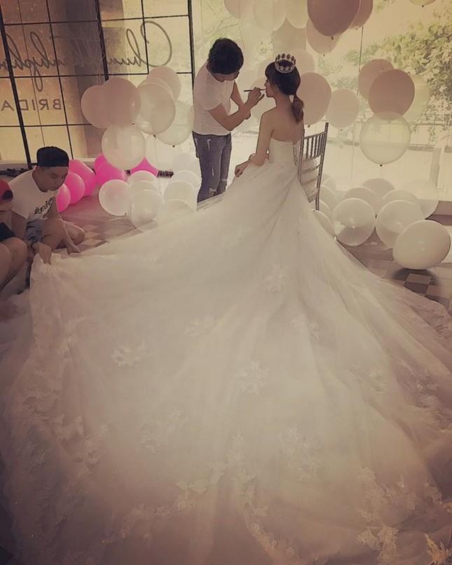 Hari Won và Trấn Thành đi thử đồ cưới - ảnh 1