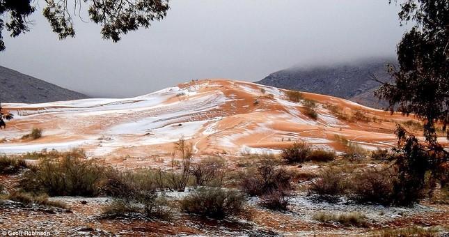 Tuyết lại rơi ở sa mạc Sahara sau gần 40 năm - ảnh 5