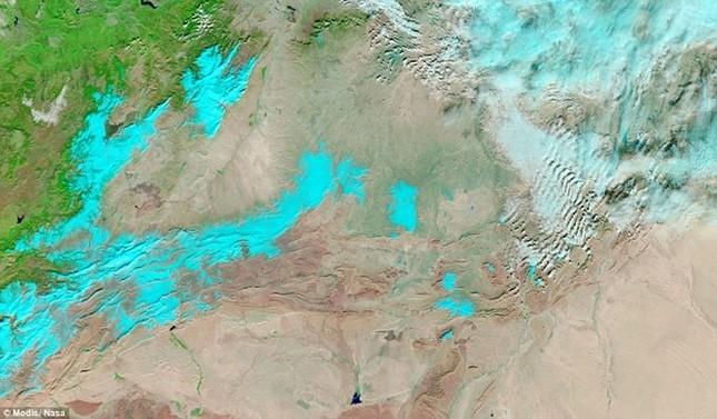 Tuyết rơi ở sa mạc Sahara nhìn từ vũ trụ - ảnh 4