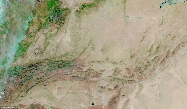 Tuyết rơi ở sa mạc Sahara nhìn từ vũ trụ - ảnh 5