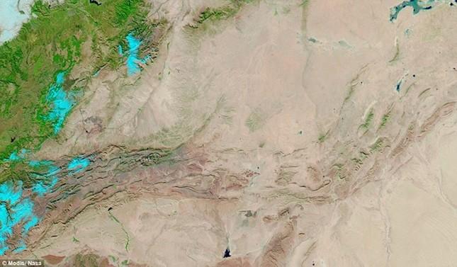 Tuyết rơi ở sa mạc Sahara nhìn từ vũ trụ - ảnh 6