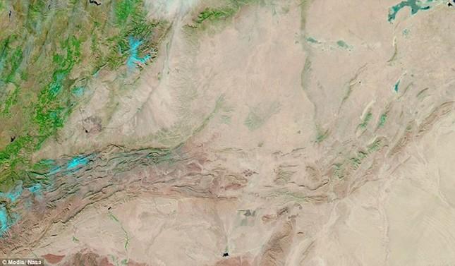 Tuyết rơi ở sa mạc Sahara nhìn từ vũ trụ - ảnh 7