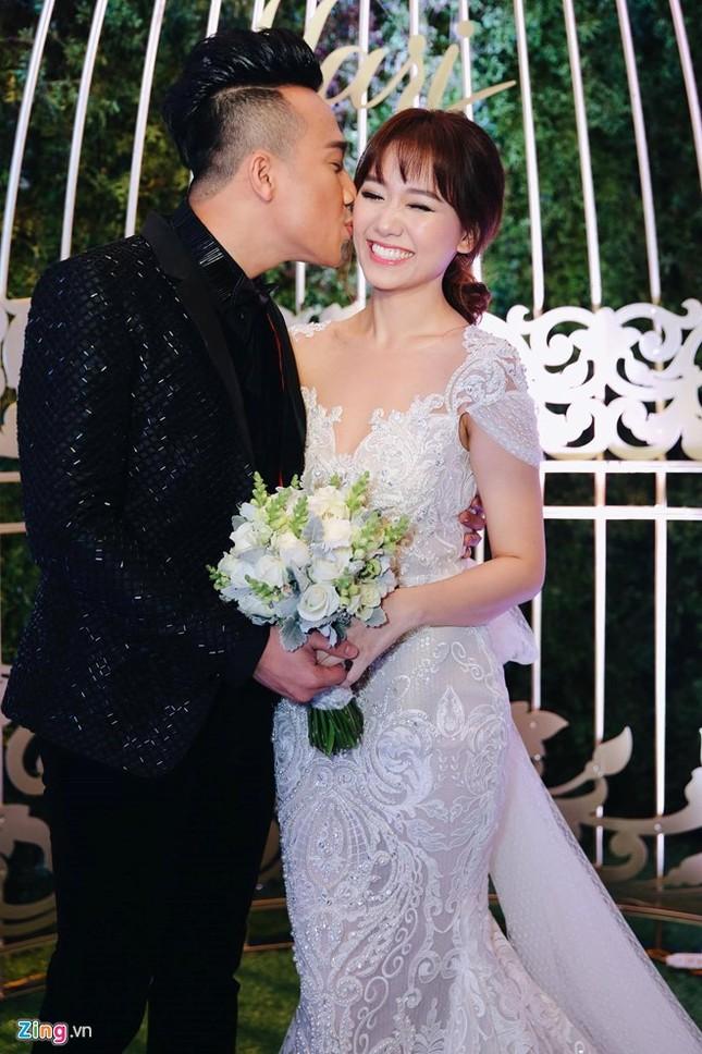 Trấn Thành và Hari Won ôm nhau khóc trong lễ cưới - ảnh 14