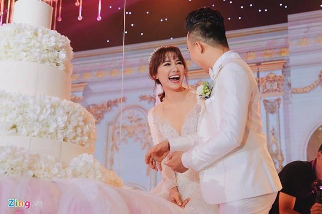 Trấn Thành và Hari Won ôm nhau khóc trong lễ cưới - ảnh 5