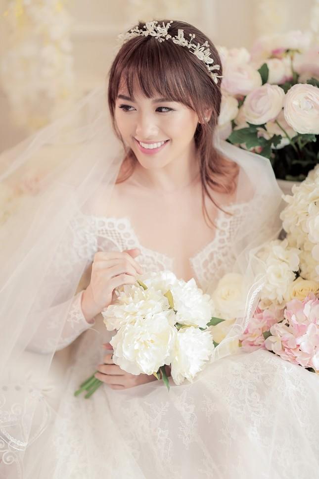 Hari Won - Trấn Thành tinh nghịch trong ảnh cưới - ảnh 1
