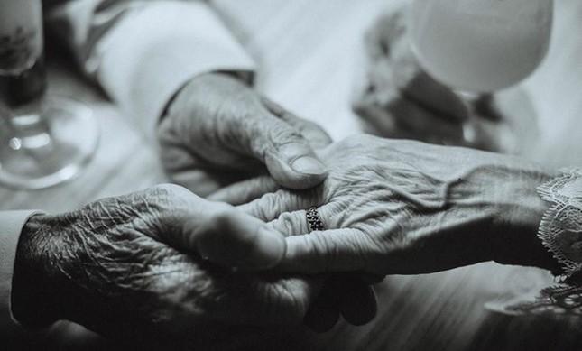 Ảnh cưới 50 năm gây chú ý của nghệ sĩ già Mai Ngọc Căn - ảnh 8