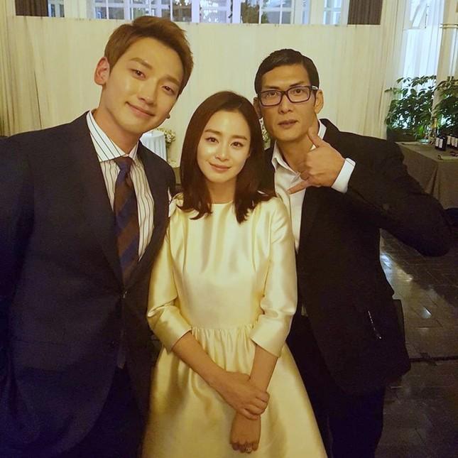 Kim Tae Hee - Bi Rain giàu có chỉ chi 1.100 USD cho lễ cưới - ảnh 1