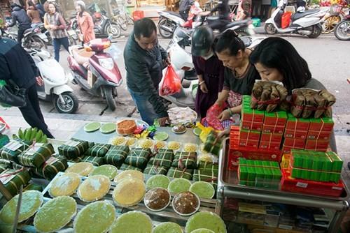 Sắm Tết ở 'chợ nhà giàu' giữa phố cổ Hà Nội - ảnh 12