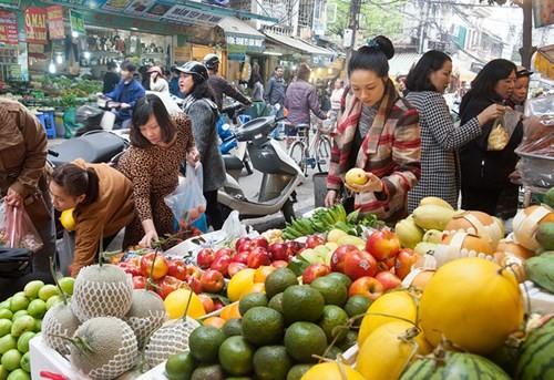 Sắm Tết ở 'chợ nhà giàu' giữa phố cổ Hà Nội - ảnh 13