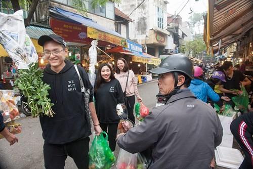 Sắm Tết ở 'chợ nhà giàu' giữa phố cổ Hà Nội - ảnh 15