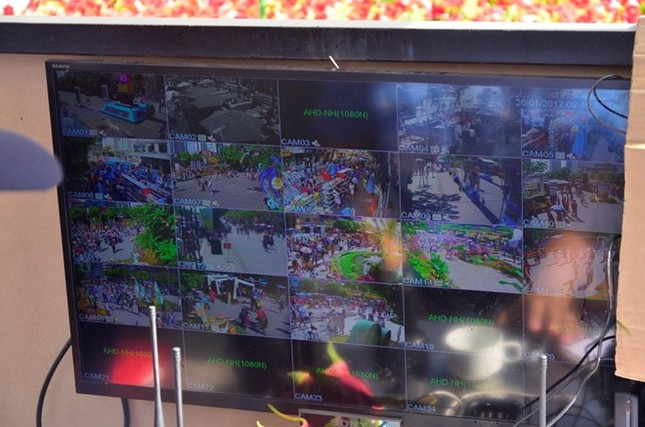 Nhiều người bị cướp giật iPhone ở đường hoa Nguyễn Huệ - ảnh 1