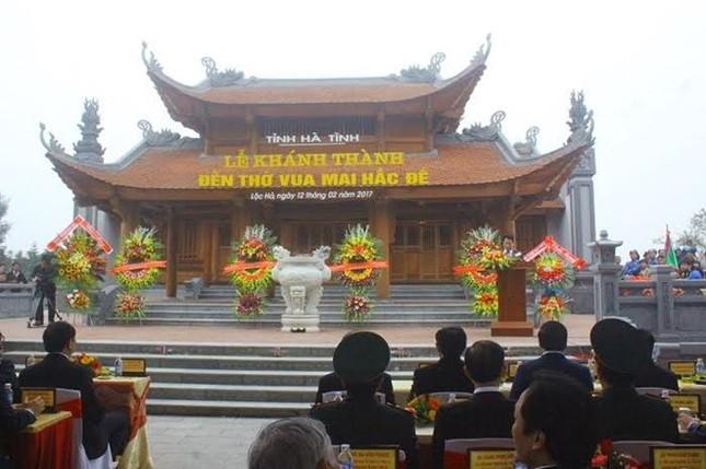 Chủ tịch nước cắt băng khánh thành đền thờ Mai Hắc Đế - ảnh 1