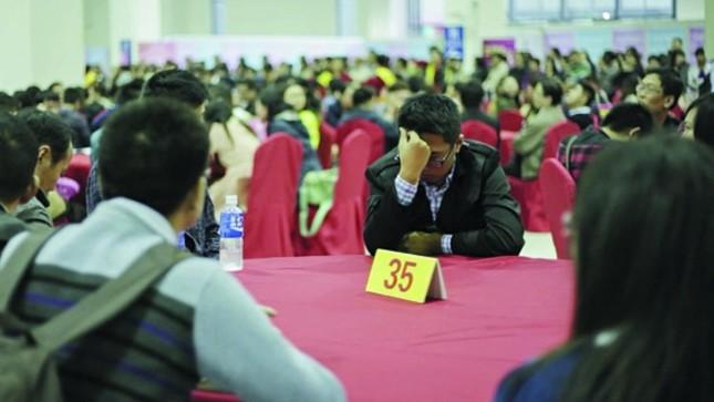 30 triệu người Trung Quốc sẽ ế vợ trong 3 thập kỷ tới - ảnh 1