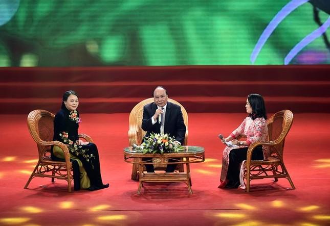 Thủ tướng đối thoại với đại biểu phụ nữ Việt Nam - ảnh 1