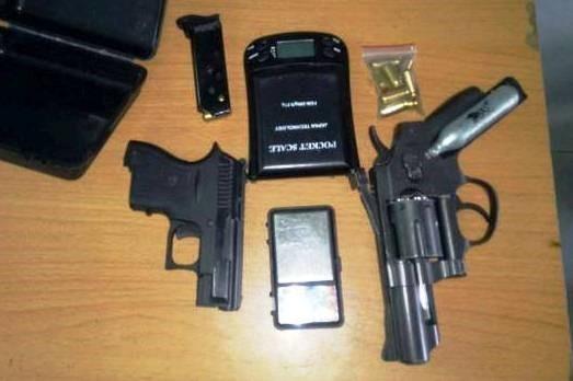 Bắt trùm ma túy 9X Sài Gòn luôn thủ 2 súng ngắn bên người - ảnh 1
