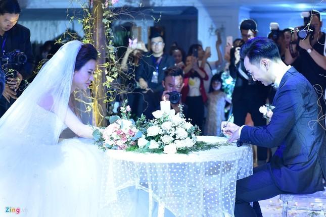 MC Thành Trung và vợ 9X ký hợp đồng, kê khai tài sản ở hôn lễ - ảnh 7