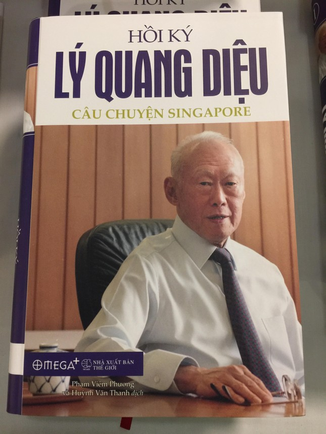 Ra mắt bộ sách 'Hồi ký Lý Quang Diệu' - ảnh 1