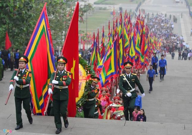 Chủ tịch nước dâng hương tưởng niệm các Vua Hùng - ảnh 1