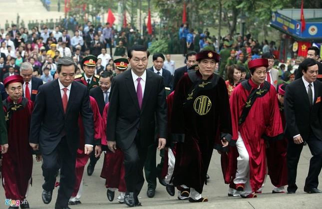 Chủ tịch nước dâng hương tưởng niệm các Vua Hùng - ảnh 2
