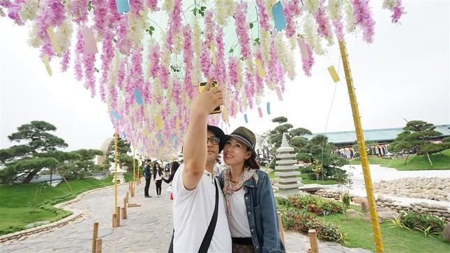 Lễ hội Mặt trời mọc tại Sun World Halong Complex thu hút nhiều du khách - ảnh 2