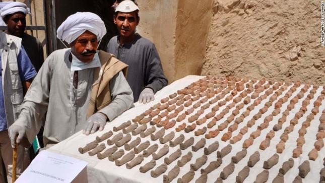Ai Cập khai quật 8 xác ướp trong ngôi mộ 3.500 tuổi - ảnh 1