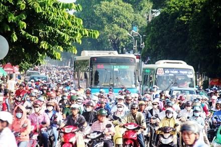 Cấm xe máy là xúc phạm 80% người dân - ảnh 1