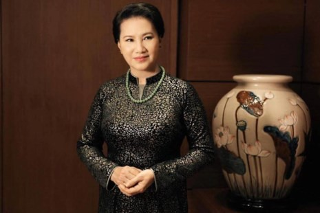 Chủ tịch quốc hội Kim Ngân trong áo dài Võ Việt Chung - ảnh 4