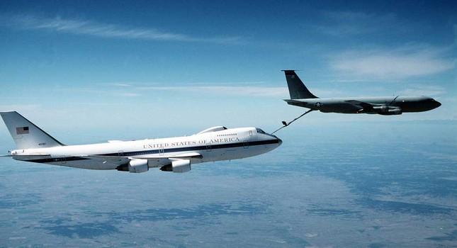 Vén màn phi đội máy bay bí mật của Tổng thống Mỹ - ảnh 1