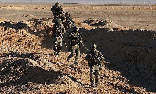 16 đặc nhiệm Nga đẩy lùi 300 phiến quân Syria - ảnh 1
