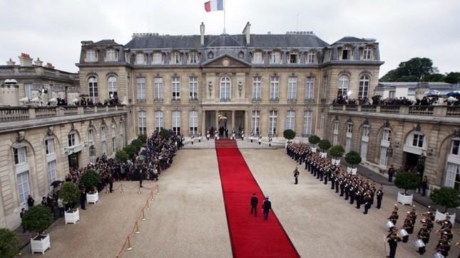 Cung điện 365 phòng phục vụ tổng thống Pháp - ảnh 2