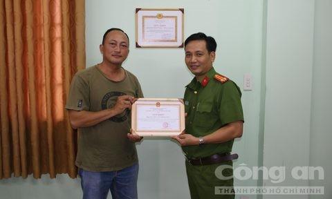 Hiệp sĩ Minh Tiến bị phơi nhiễm HIV khi truy bắt tên cướp liều lĩnh - ảnh 1