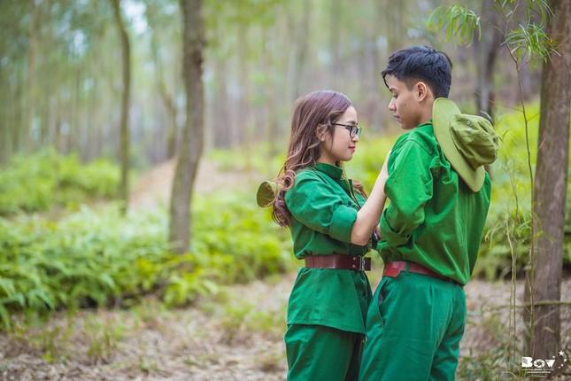 Học sinh Bắc Giang chụp ảnh kỷ yếu với chủ đề Chúng tôi là chiến sĩ - ảnh 8