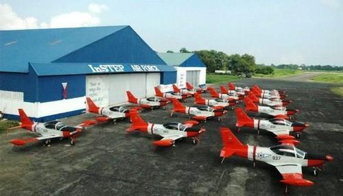 Chiếc máy bay dội bom nhầm khiến 10 lính Philippines tử trận - ảnh 1