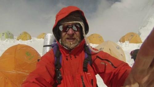 Người đàn ông ung thư chinh phục đỉnh núi cao nhất thế giới - ảnh 1